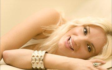 девушка, блондинка, взгляд, чарлиз