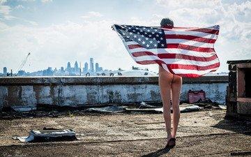 девушка, флаг, крыша