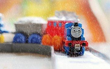 поезд, дождь, игрушки, паровозик, вагончики