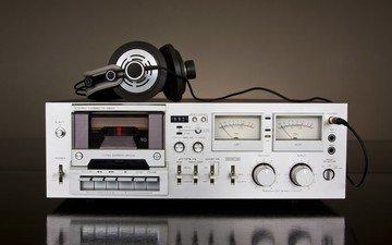 ретро, техника, магнитофон, кассетный
