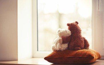 мишки, игрушки, окно, подушка, мягкие