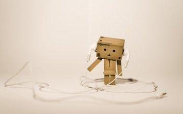 музыка, наушники, игрушка, данбо, картонный человечек, музыкa, картонный робот, craig dennis