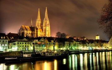 ночь, огни, река, дома, германия, бавария, регенсбург, дунай