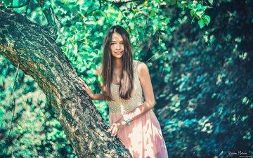 природа, дерево, девушка, взгляд, часы, волосы