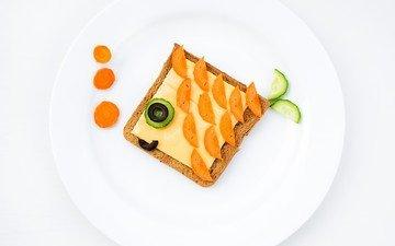 креатив, сыр, хлеб, завтрак, рыбка, тарелка, морковь, маслины, огурец