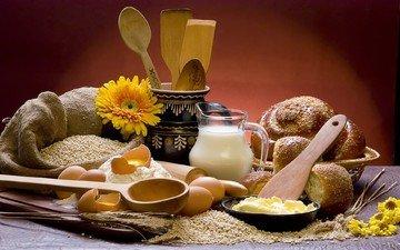 цветы, колосья, масло, хлеб, яйца, молоко, кувшин, выпечка, зерно, натюрморт, булочки, сдоба, мука, ложки, крупа, деревянные, лопатки
