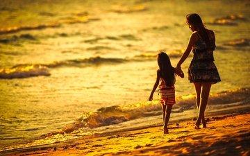 пляж, девочка, прибой, женщина