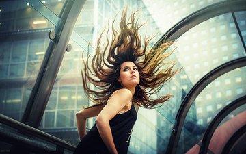 девушка, движение, улица, модель, волосы, ветер, стекло, тоннель, бег, боке