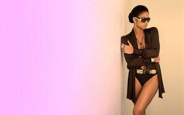 девушка, поза, брюнетка, лицо, солнцезащитные очки, кэсси вентура, кэсси
