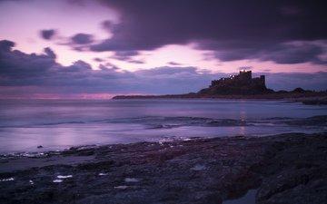 облака, море, англия, неба, вечернее, great britain, берег моря, bamburgh castle, лиловая