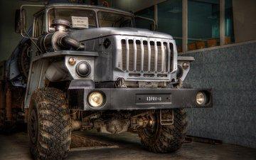 колеса, гараж, грузовик, урал, протектор