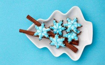 снежинки, корица, тарелка, сладость, печенье, глазурь