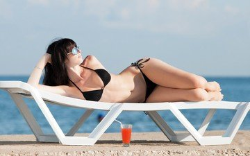 girl, beach, brunette, glasses, model, cocktail, bikini