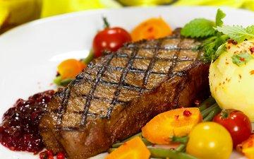 зелень, овощи, помидоры, морковь, картофель, стейк, мясное блюдо, бифштекс