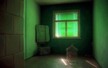 комната, клетка, чемодан