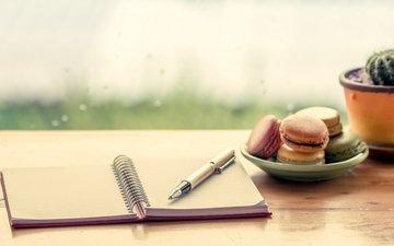 ручка, печенье, десерт, блокнот, макарун, сладенько, миндальное