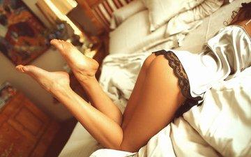 трусики, женщины, ноги, ножки, задница, бедра, кровати, женское бельё