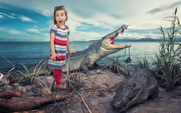 the situation, girl, surprise, horror, crocodiles