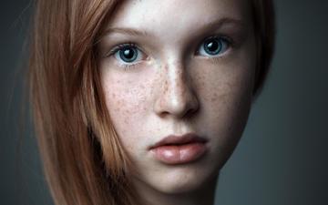девушка, рыжая, милая, голубые глаза, удивление, веснушки, красивая, миленькая, рыжеволосая, голубоглазая, gевочка, pretty. beautiful, глаза голубые