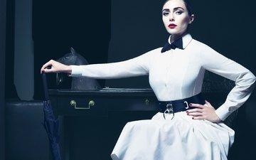 стиль, платье, взгляд, модель, зонт, фотограф, актриса, макияж, журнал, белое, прическа, vogue, элизабет олсен, tom munro
