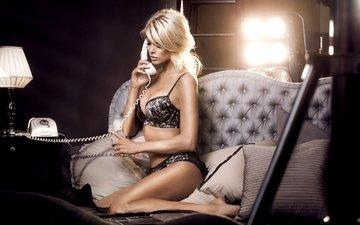 поза, блондинка, жопа, блонд, boobs, без задних ног, дамское белье, виктория сильвстедт, сексапильная