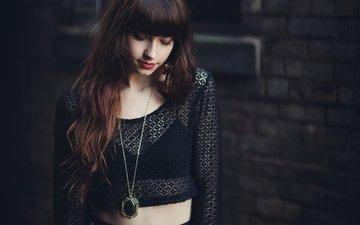 девушка, модель, черное, подвеска, челка, taylor penshorn, sara kiesling
