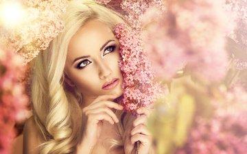 цветы, девушка, блондинка, портрет, взгляд, модель, лицо, макияж, сирень, розовая помада