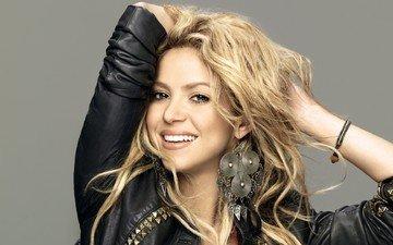 девушка, блондинка, улыбка, портрет, волосы, лицо, певица, шакира