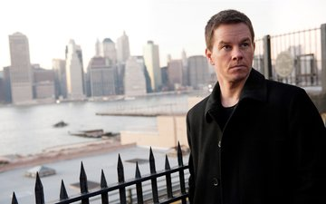 river, home, promenade, coat, mark wahlberg, the city of vice, broken city