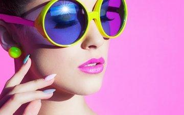 стиль, девушка, фон, очки, лицо, руки, макияж, сёрьги, ресницы, шея, закрытые глаза