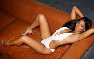 девушка, улыбка, модель, диван, секси