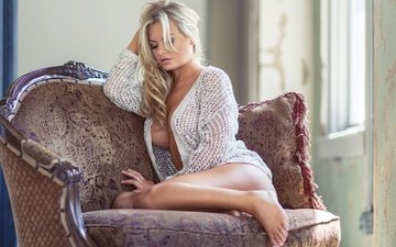 blonde, legs, photographer, lips, in the chair, the temptation, desire, blouse, sexy, gorgeous breasts, sitting, face, roberto inetti