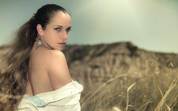 трава, природа, девушка, портрет, поле, взгляд, волосы, лицо, женщина, gевочка