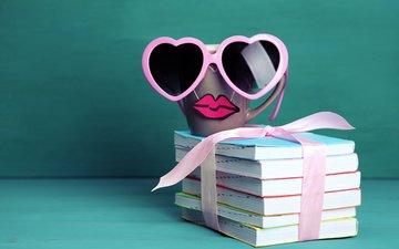 очки, кофе, книги, кружка, губы, бокалы, кубок, миленькая, забавная, усик