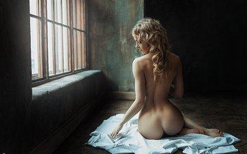девушка, блондинка, попа, спина, лицо, окно