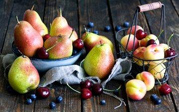 вишня, черника, груши, абрикосы