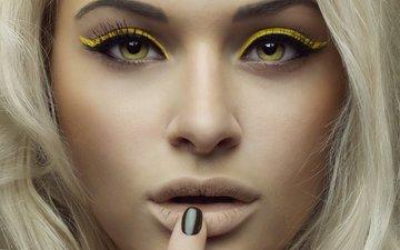 девушка, блондинка, взгляд, модель, лицо, зеленые глаза, желтые, тени