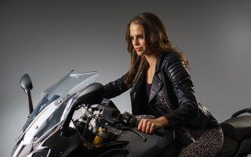 девушка, фон, взгляд, волосы, лицо, мотоцикл, байк