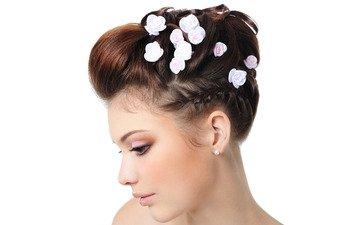 девушка, профиль, волосы, белый фон, макияж, прическа, цветочки, жемчуг