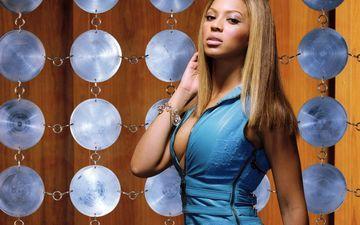 фон, платье, взгляд, волосы, певица, браслет, макияж, голубое, бейонсе, диски, beyonce knowles
