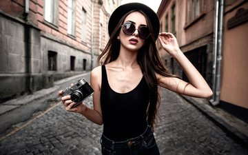 девушка, город, улица, фотоаппарат, алея