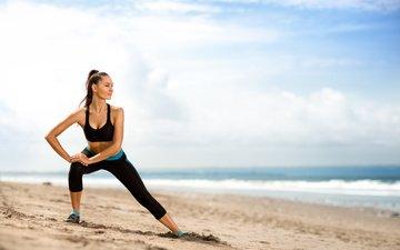 девушка, море, песок, пляж, гимнастика, потягивается, тренировки