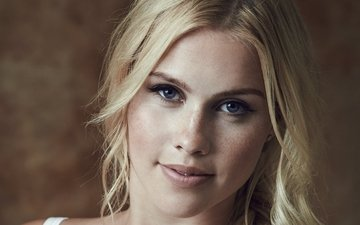 девушка, блондинка, портрет, взгляд, волосы, лицо, актриса, клер холт, клэр холт