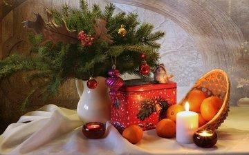 свечи, елка, игрушки, коробка, мандарины