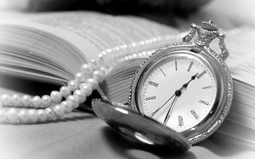 винтаж, часы, книга, ожерелье