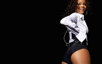 smile, model, actress, singer, earrings, shorts, rihanna