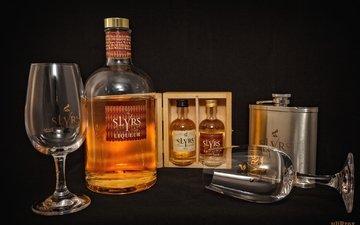 бутылка, бокалы, алкоголь, виски, фляга
