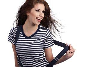 настроение, радость, модель, белый фон, футболка, полосатая, шатенка, подтяжки, тельняшка, izabela magier