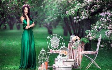 зелень, платье, брюнетка, винтаж, взгляд, ангел, венок, клетка, стулья
