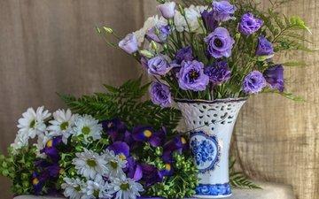 фиолетовый, ткань, букет, ваза, папоротник, хризантемы, ирисы, эустома